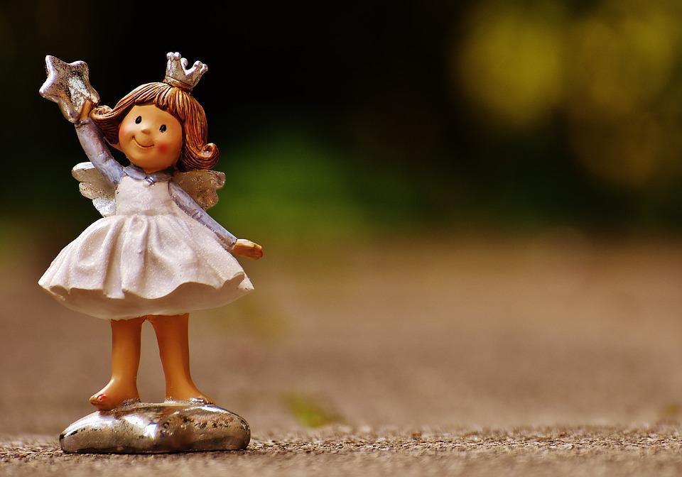 Сьогодні день ангела Вікторії: віршовані привітання та яскраві листівки