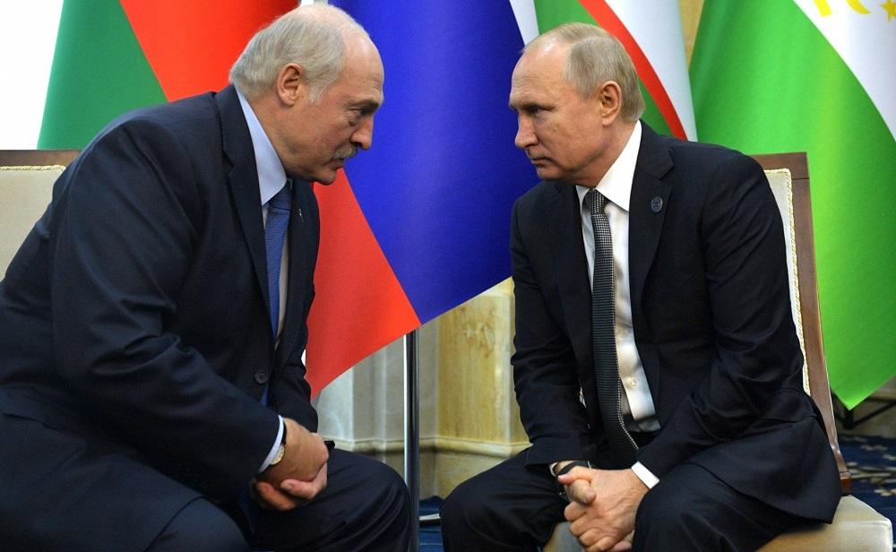Лукашенко Путину: не хочу перед тобой стоять на коленях каждый год!