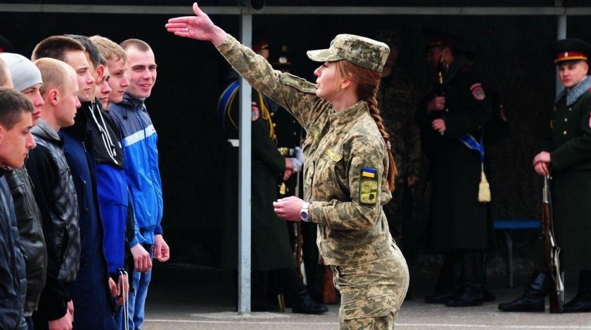 Срочный призыв в армию: кого будут забирать
