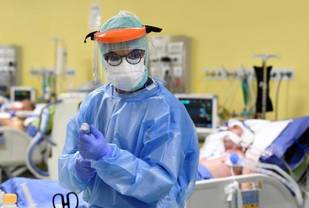 Стало відомо, чим італійці рятуються від коронавірусу