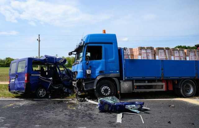 В Венгрии много заробитчан погuбло в ДТП с грузовиком