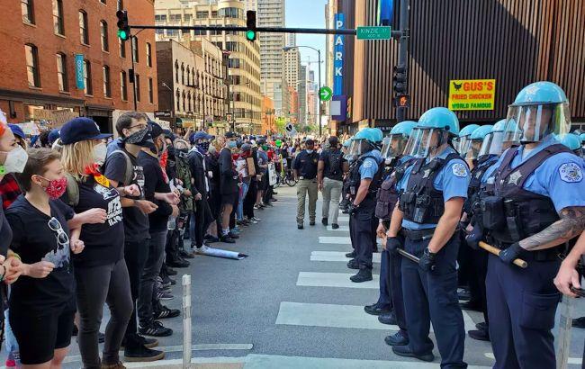 Беспорядки в США охватили 25 городов: все пылает, на улицах Нацгвардия. Фото и видео