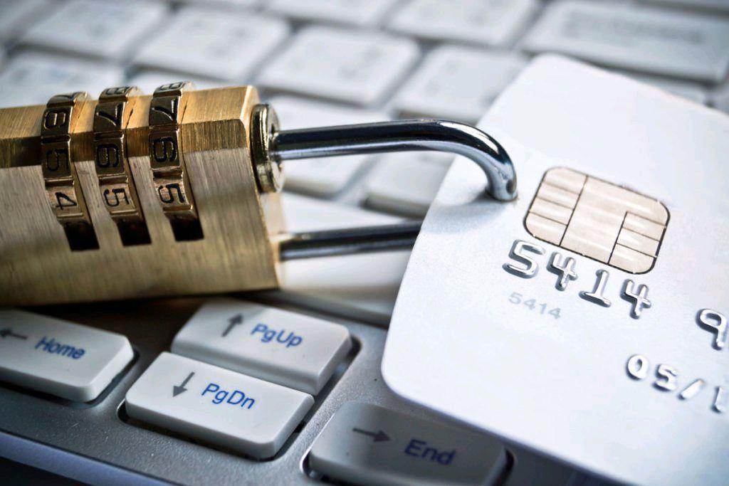 Если ваши счета заблокированы из-за штрафа за нарушение ПДД: как действовать