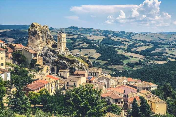 Туристам запропонували безкоштовно відпочити в Італії