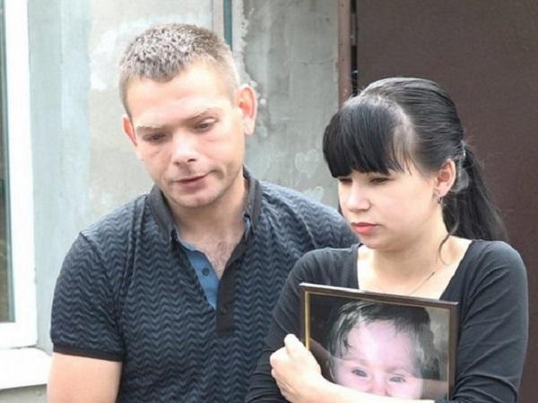 Няня примотала подушку к лицу девочки и та умерла: подробности трагедии в нелегальном детсаду Запорожья