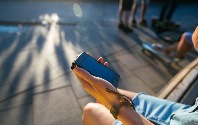 Українців чекають нові правила користування мобільним зв'язком: що зміниться