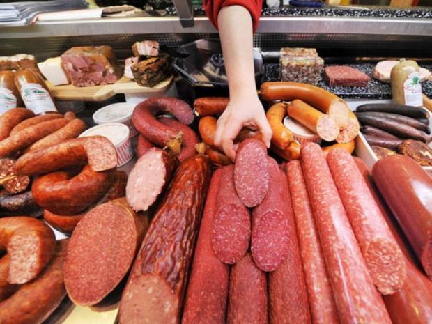 Бився ковбасою: українців потішило відео епічної бійки в супермаркеті Києва