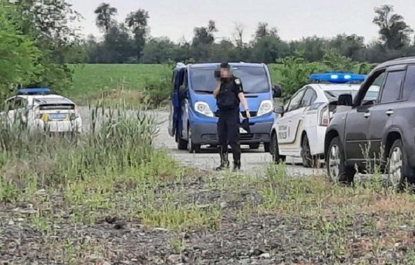 Затолкали в машину и вывезли в поле: похищение человека средь бела дня (фото)