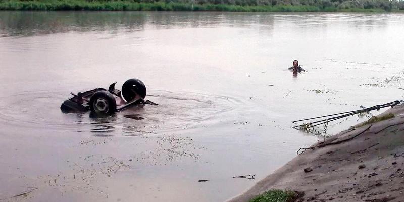 На Херсонщине застрелили фермера и утопили его в автомобиле (фото)
