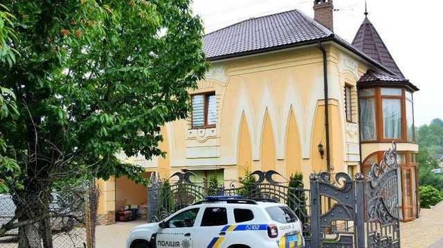 «Новые Княжичи». Появилось видео штурма дома в Черновцах, где были ранены спецназовцы