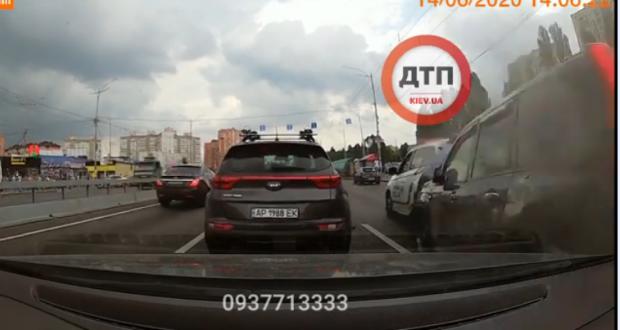 Рахунок йшов на секунди: З'явилося відео моменту ДТП з дівчиною-«копом» у Києві