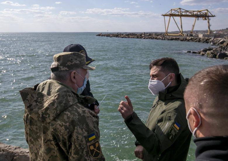 Битва за наш Азов: чи готові до неї Зеленський та Україна