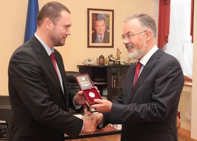 Новий очільник Міносвіти: «Я повністю поділяю принципи Партії регіонів». Досьє на Сергія Шкарлета