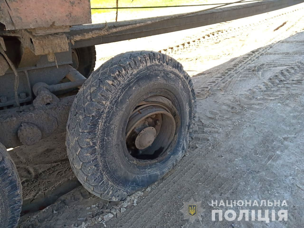 Страшна ДТП у Рівненській області: частина колеса від вантажівки вбила 11-річну дитину