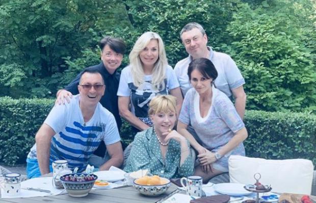 «Вже на себе не схожа»: Алла Пугачова змінила зачіску й шокувала фанатів (фото)