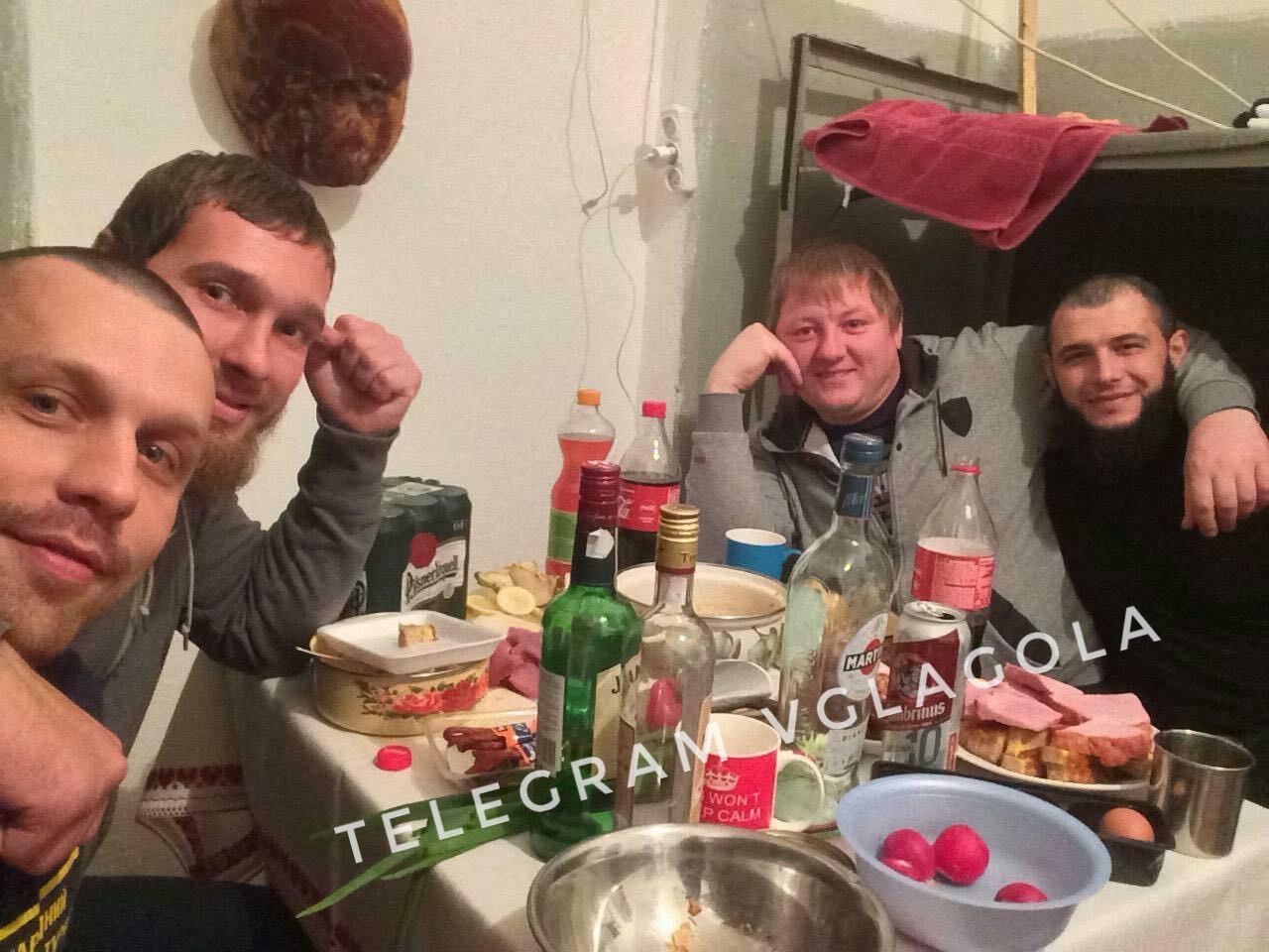 Це Ужгородське СІЗО і затримані, які офіційно сидять в одиночках. Як гадаєте, бояться бандити ув'язнень?