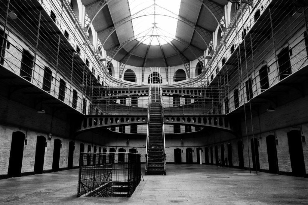 5 самых жестокuх тюремных бунтов
