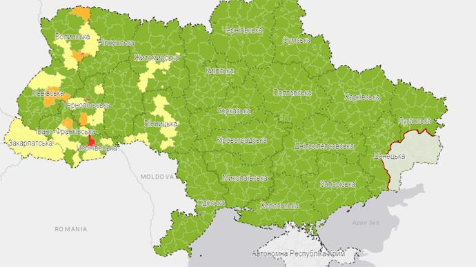 Україну поділили на карантинні зони: у трьох областях є «червоні»