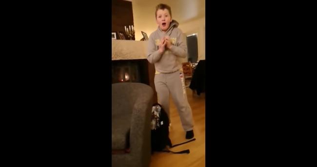 Ребенок расплакался при встрече с котом, пропавшим 7 месяцев назад — видео растрогало всех
