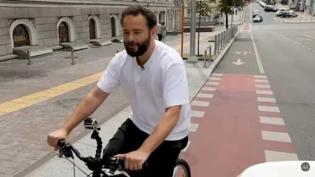 Дубинский опубликовал полное видео с велосипедом в Киеве и упрекнул Кличко в воровстве