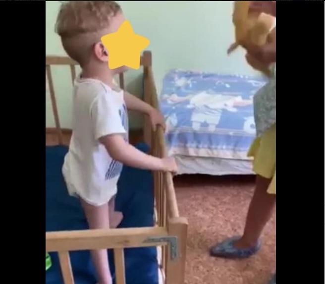 Хлопчик, 4 Роки, Зовсім Сам Вже Понад Місяць! Лікарня М. Білгород-Дністровський. Палата №10