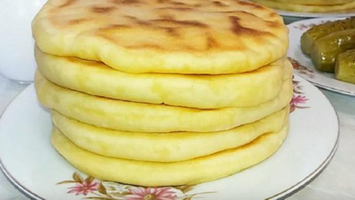 Такого ви ще не готували! Картопляно-сирні пляцки на сковорідці без краплі олії!