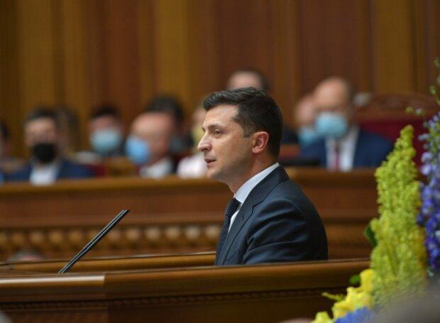 Каждому до 5 тысяч: Зеленский наконец-то обрадовал украинцев. Документ уже подписан