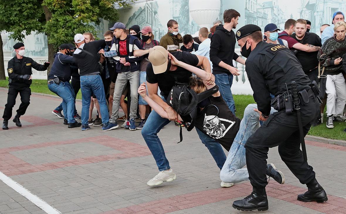 В Беларуси начались задержания, протесты жестк0 разгоняют: есть раненые. Фото и видео