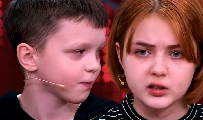 Беременная 14-летняя школьница стала звездой интернета и уже родила девочку — сейчас ее «парню» 11 лет