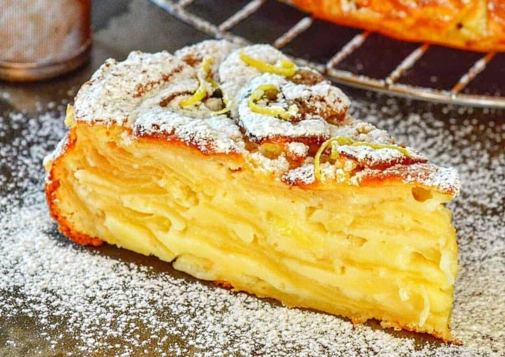 Простий рецепт яблучного пирога, що тане в роті