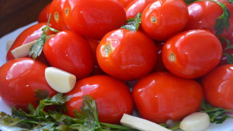 Квашені помідори: найпопулярніші та перевірені рецепти від господинь!
