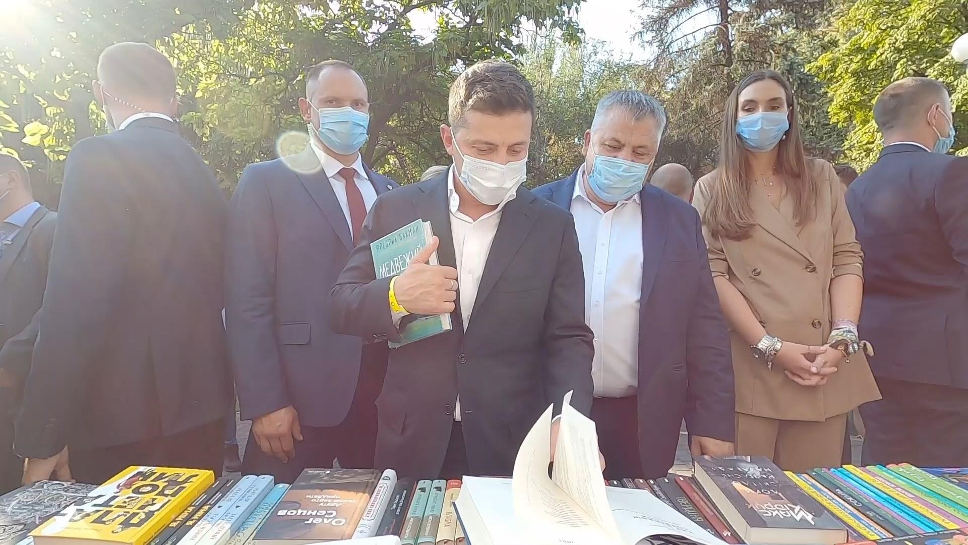 «Слухайте, у мене прям бомбить. Ти президент України. Приїжджаєш на літературний фестиваль..»