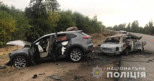 На трасі Василівського району двоє чоловіків живцем згоріли у машині (ФОТО)