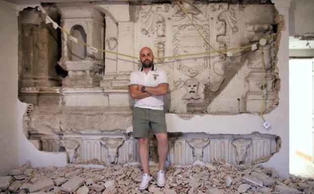 Чоловік затіяв вдома ремонт і знайшов за стіною «привіт» з XIV століття — щасливчику важко не позаздрити (фото)