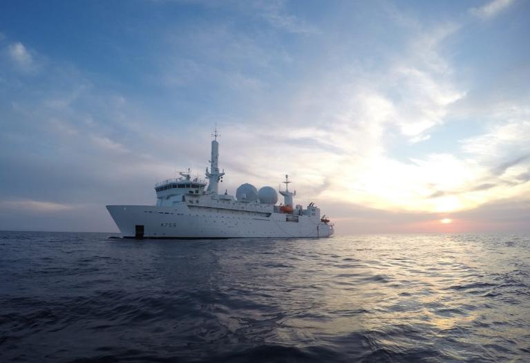 Репетиція операції по звільненю Крима, пройшла на відмінно. Один корабель НАТО повністю заблокував російські комплекси С-400 в окупованому Криму