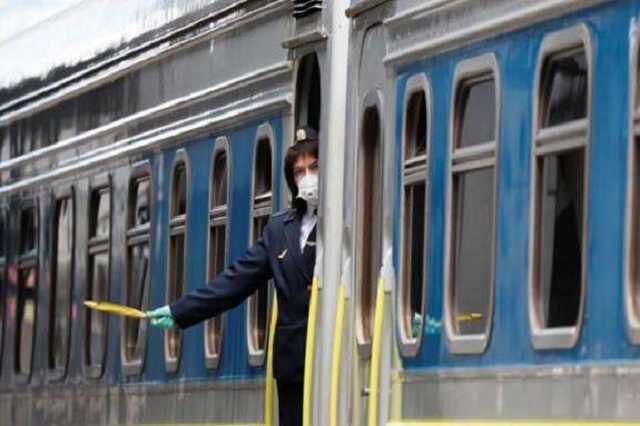Укрзалізниця відновлює продаж квитків на низку поїздів далекого сполучення. Перелік
