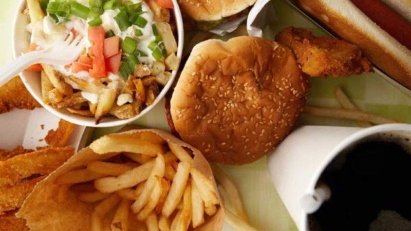 Не їжте — уб'єте організм: Медики назвали продукти, від яких треба негайно відмовитись