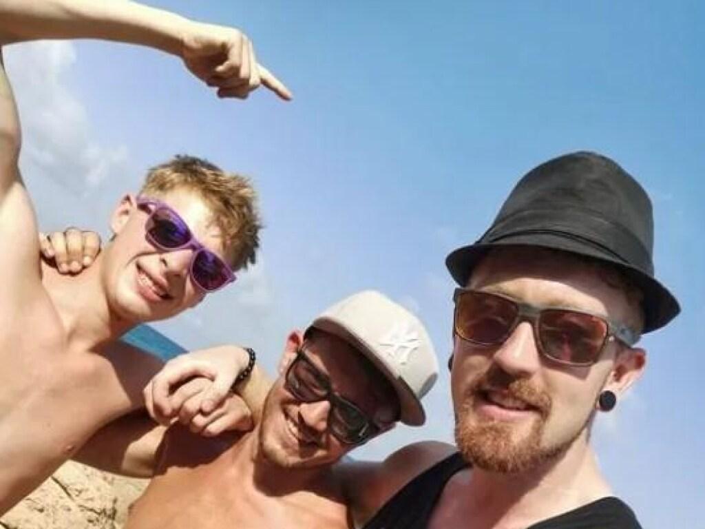 Британский турист успел сфотографировать друзей за секунду до гuбелu
