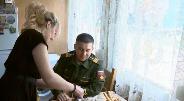 «Сміттєві контейнери»: російські військові похвалилися службовим житлом, відео