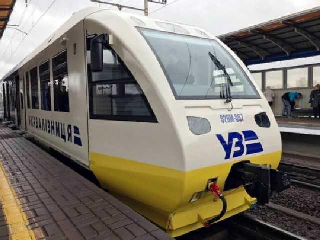 «Укрзалізниця» отменила посадку пассажиров в Тернополе: опубликован список «запрещенных» поездов