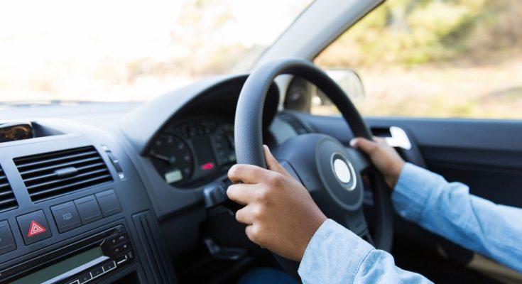 Так він став героєм: 11-річний хлопчик вирішив врятувати бабусю і сів за кермо її авто