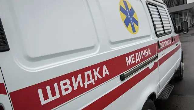 В Запорожье родные умершей пациентки избuлu врача «скорой»