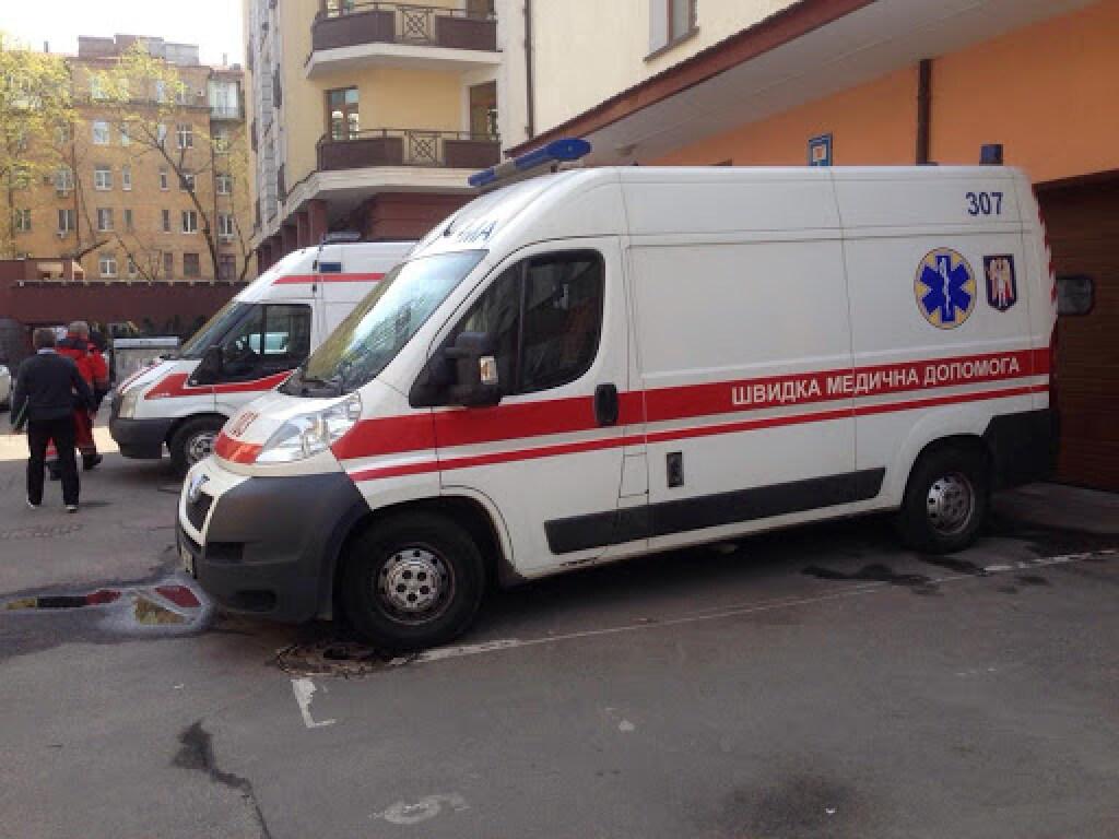 На Херсонщине на подростка-сироту упали балки с прицепа: у парня остановилось сердце