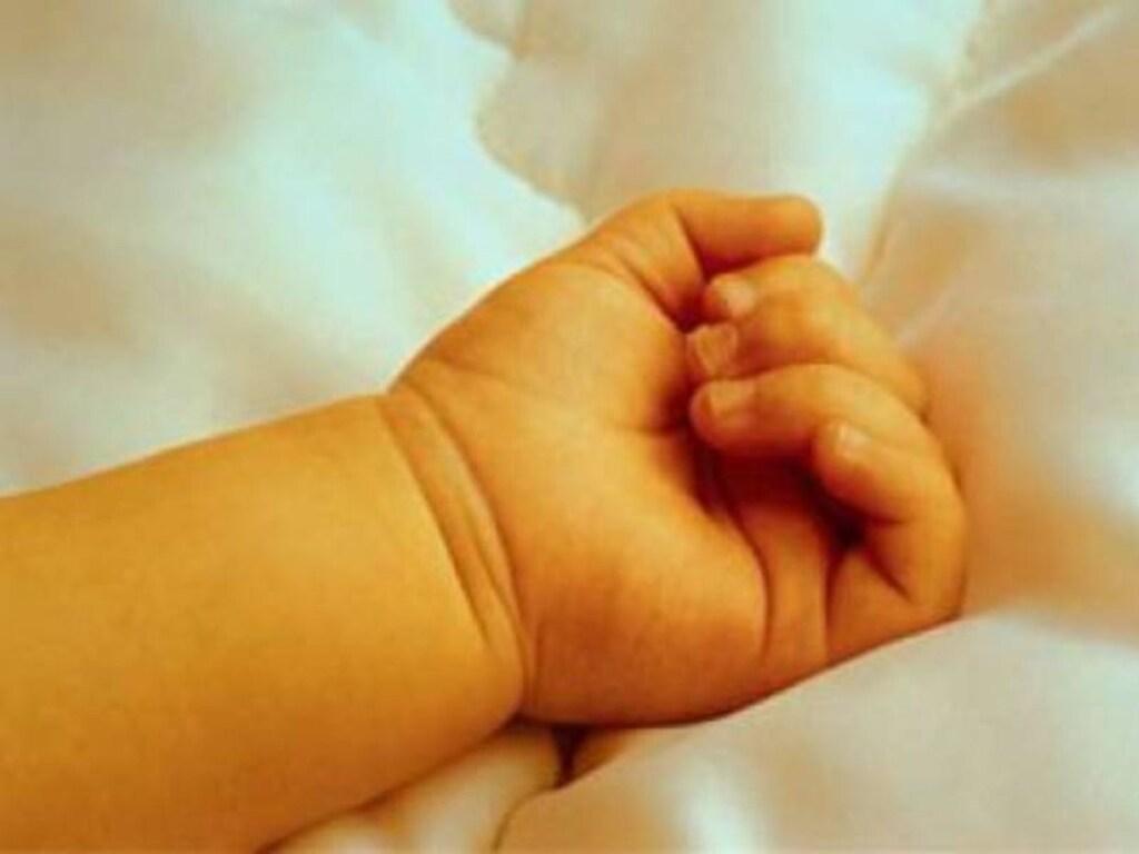 На Буковине комод рухнул на годовалого мальчика: ребенок погuб