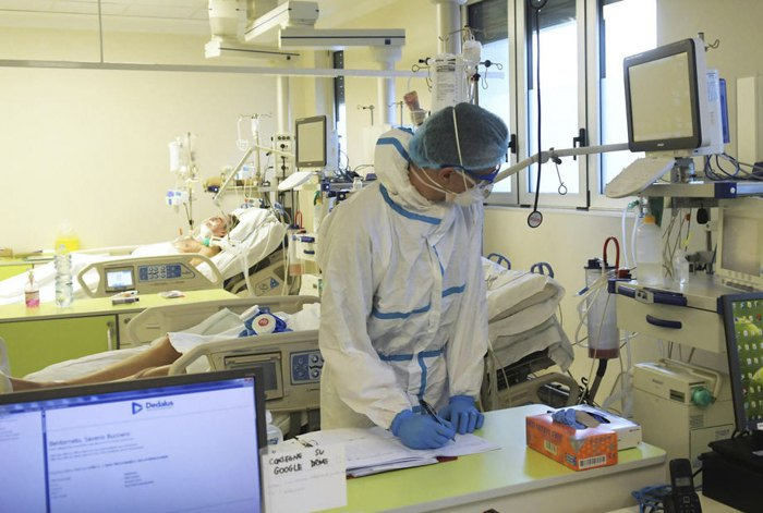 Лікарка сказала, хто з хворих на COVID-19 найчастіше потрапляє в реанімацію