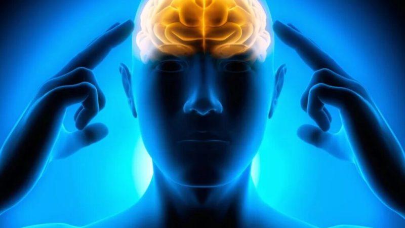 Медики рассказали о скрытых симптомах рака мозга