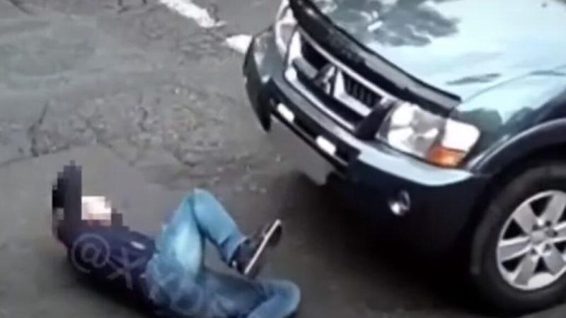 В Одессе мужчина бросился под колеса авто (ФОТО, ВИДЕО)