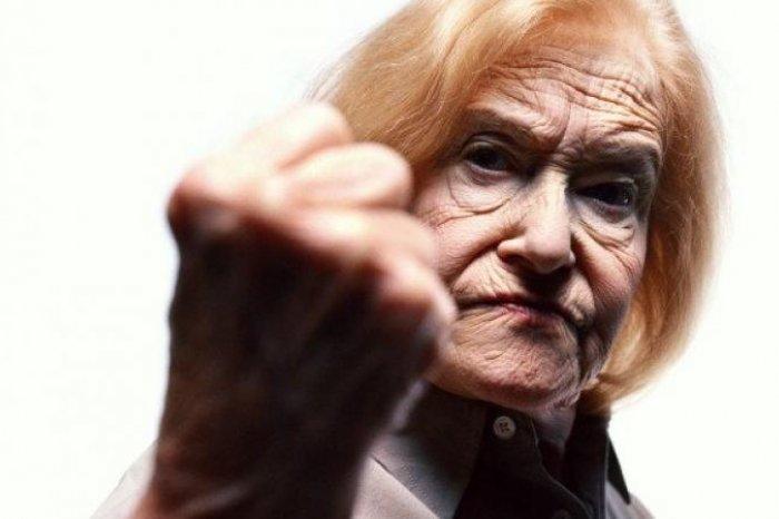 В Киеве пенсионерка избила вора (ФОТО)