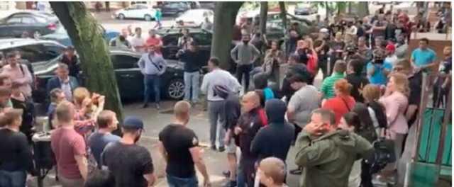 «Мафия рвется к кормушке!»: безумная агитация взбесила Одессу, жители не выдержали