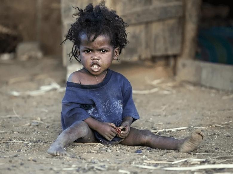 Какой стала девочка из Сомали, которую 20 лет назад удочерил американский фотограф